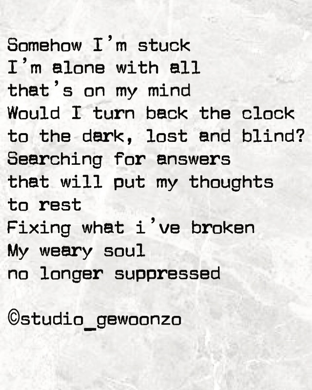 Achtergrond is marmer patroon met een engels gedicht op, geschreven door mezelf